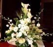 爽やかな白いお花のお供えアレンジメント