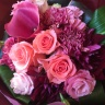 華やかなバラの花束