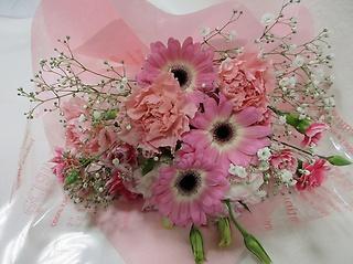 カーネーションとガーベラの花束