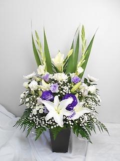 ? 高さのある上品な百合ユリーご供花 ?