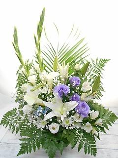 ?* 洋花のみ白・紫で故人を偲ぶ花 *?