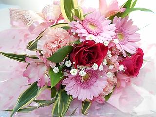 ♪♪幸せオーラのピンク色花束♪♪