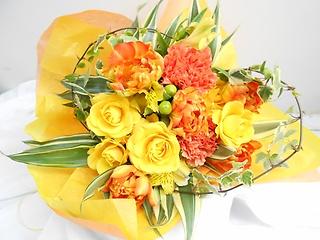 ?◇?バラと季節のお花の花束?◇?