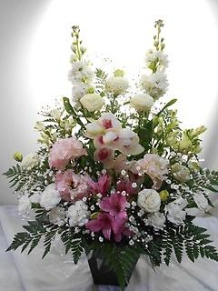 ??美しくやわらいだ洋花ご供花??