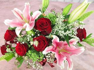 ?◇ユリとバラの贅沢な贈り花◇?