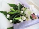お供え 白中心 大きめの花束
