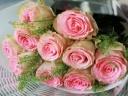 バラと小花のシンプルブーケ