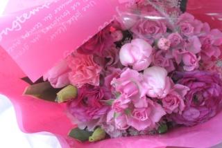 フラワーバレンタインの花束