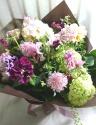 季節の小花のおまかせ花束