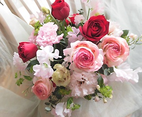 優しいピンク&華やかレッド