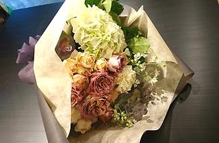 ナチュラルベージュの花束