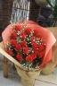 バラとかすみ草の豪華な花束