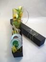 カラーの花束とお茶のギフトボックス