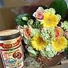 季節の花束とお茶のギフトボックス