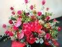 真っ赤なバラの豪華アレンジメント