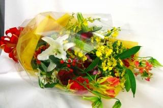 御祝にぴったりな豪華な花束