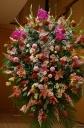 お祝いスタンド花 ボリュームのある2段