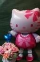 ハローキティと、可愛いピンクのお花で