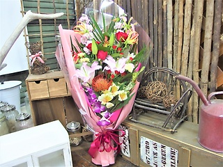 式典や歓送迎会におすすめ花束