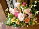 ブルージュ☆色とりどりの蘭とバラのアレンジ