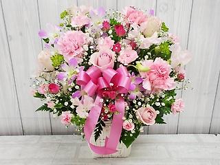 ピンク系のお花のアレンジメント