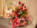 赤バラのゴージャスなアレンジメント