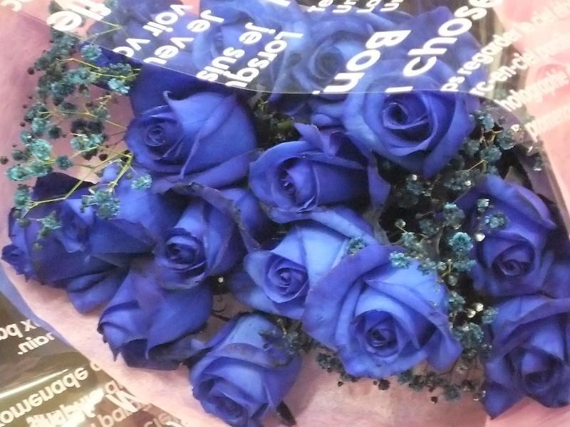 に 花束 を ロイヤル ブルー