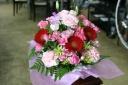 ピンクレッド系お花の贈り物!