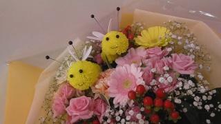 可愛いミツバチの花束