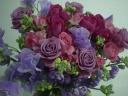ピンク、パープルのエレガントな花束