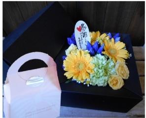 敬老の日BOXアレンジ[yellow]焼き菓子付