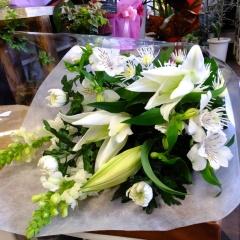 白上がりユリ入りお供え花束