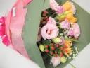トルコキキョウと季節のお花のブーケ