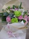 ピンク・グリーンの花束