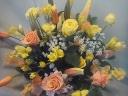 「ふんわり春の庭」黄色のアレンジ