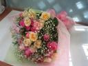 おまかせ♪バラとカスミソウの花束