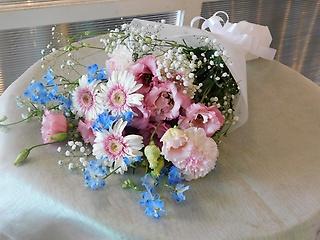 お供え花束 ピンク・ブルー