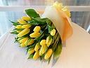 黄色チューリップのシンプル花束