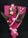 ショッキングピンクの花束