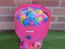 虹色のカーネーションの花束でサプライズ