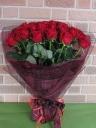 特選大輪赤バラ30本のゴージャスな花束でサプライズ