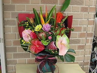 エキゾティック&トロピカルな花束でサプライズ