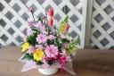 桃の花入春のおひなさまアレンジメント