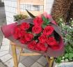 Femton (フェムトン) 赤バラ15本の花束