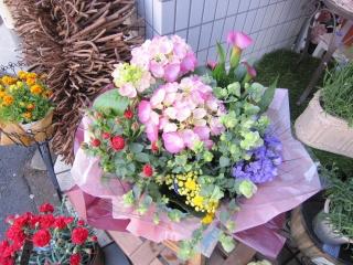 季節のお花の寄せバスケットA