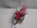 ハイヒールにピンクのバラ3輪