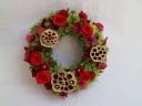 赤いバラのリース