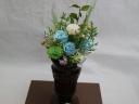 バラと小菊のお供え用アレンジメント