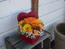 ビタミンカラーのハートボックスアレンジ