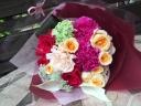 花パフェ ベリーベリーカラーの花束